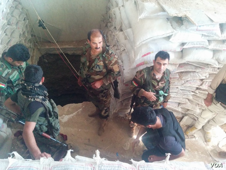 Militants stored bags full of the dirt they pulled from the tunnels inside a mosque, so visible sandbags would not give away their position to coalition planes in Tarjala in the Kurdish region of northern Iraq, Oct. 29, 2016. (H. Murdock/VOA)