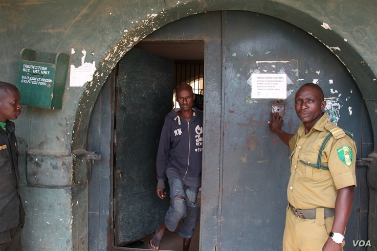 Abubakar Haruna, 23, walks free from Kaduna Central Prison after the Peace, Revival and Reconciliation Foundation paid his fine. Haruna was serving short sentence.