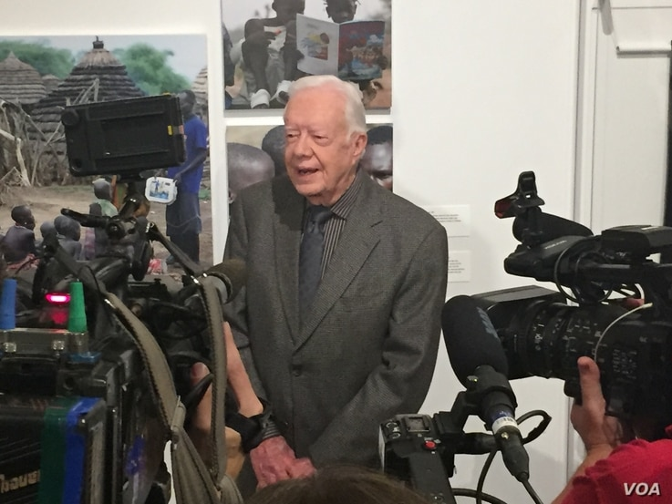 Former President Jimmy Carter talks to the media during a press event at the Jimmy Carter Library and Museum in Atlanta, Georgia, Jan. 11, 2017. (K. Farabaugh /VOA)