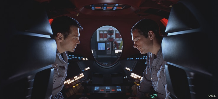 "(L-R) GARY LOCKWOOD as Dr. Frank Poole and KEIR DULLEA as Dr. David Bowman in the Stanley Kubrick directed sci-fi epic ""2001: A SPACE ODYSSEY,"" Warner Bros."