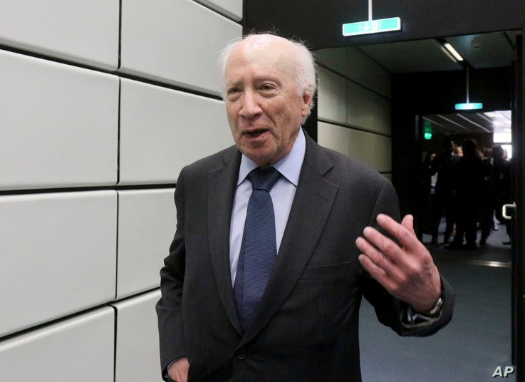 Matthew Nimetz, the United Nations mediator in a name dispute between Macedonia and Greece arrives for talks in Vienna, Austria, April 25, 2018.