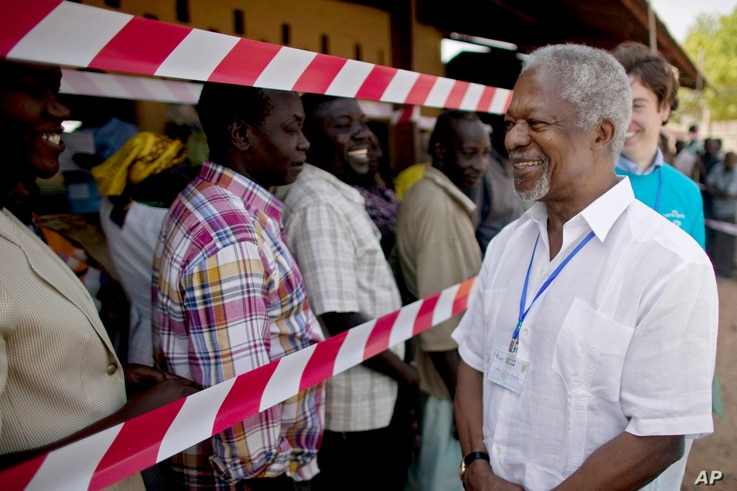 FILE - Former United Nations Secretary-General Kofi Annan visits a independence referendum polling center in the southern Sudanese city of Juba, Jan. 9, 2011.