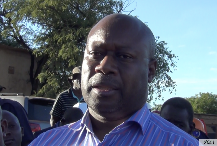 Winston Chitando, Zimbabwe mines minister says small miners are helping the country economy because they account for more than half of the 33 tons of gold the country produced in 2018.