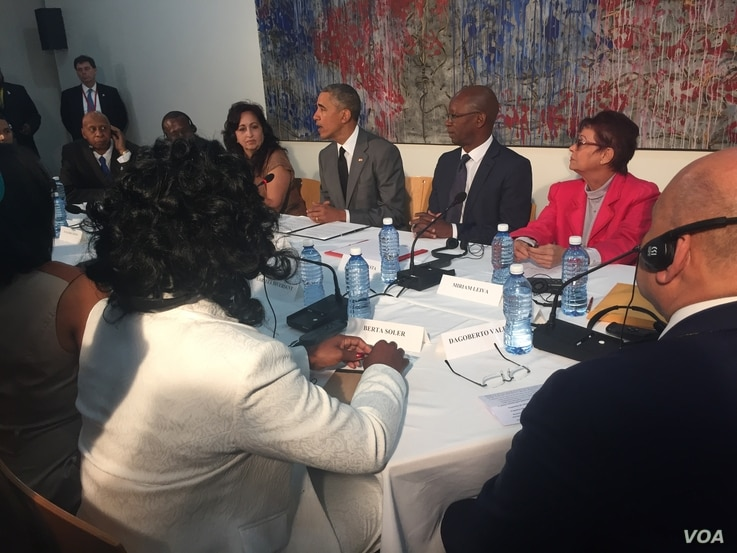 U.S. President Barack Obama meets with dissidents and other local Cubans at the U.S. Embassy in Havana, Cuba, March 22, 2016.
