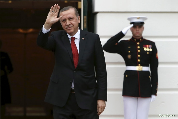 Turkish President Recep Tayyip Erdogan arrives for a working dinner with heads of delegations for the Nuclear Security Summit at the White House in Washington, March 31, 2016.
