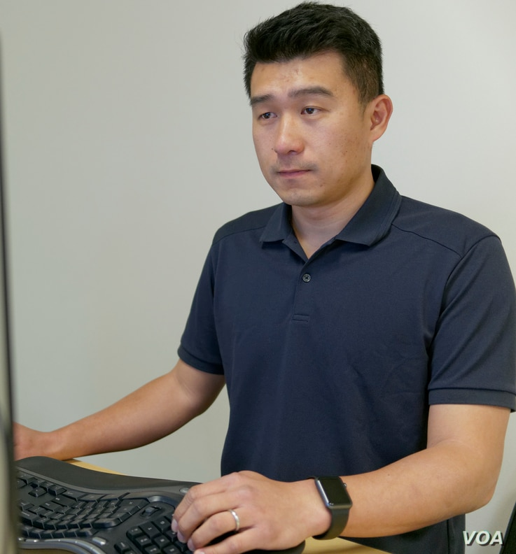 "Listia co-founder Gee Chuang says getting good people is important for a startup, ""people that know more than you, are better than you and can help what it is that you want to build."" (M. O'Sullivan/VOA)"