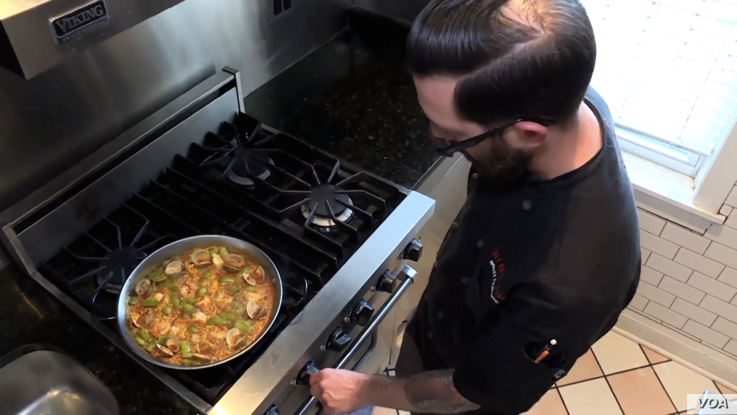 Executive Chef Matt Holmes cooks with Rumi Spice saffron at Café Bar-Ba-Reeba on Chicago.