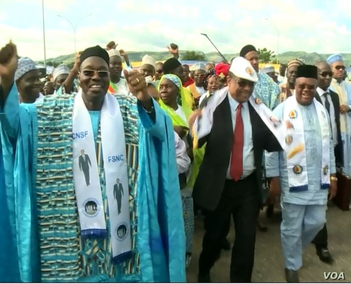 Cameroon's communication minister and leader of the National Salvation Front party, Issa Tchiroma, campaign in support of incumbent President Paul Biya in Garoua, Cameroon, Sept 22, 2018. (M.E. Kindzeka/VOA)