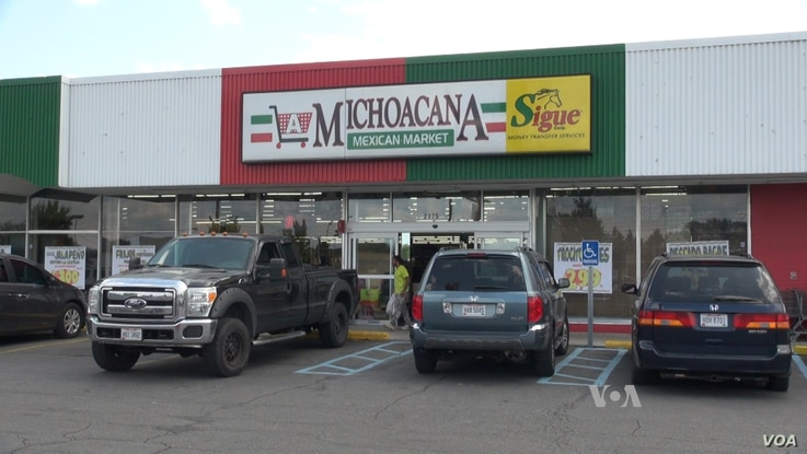 A Mexican food market is part of a stretch of immigrant-owned businesses along Morse Road in Columbus, Ohio (Soh/VOA)