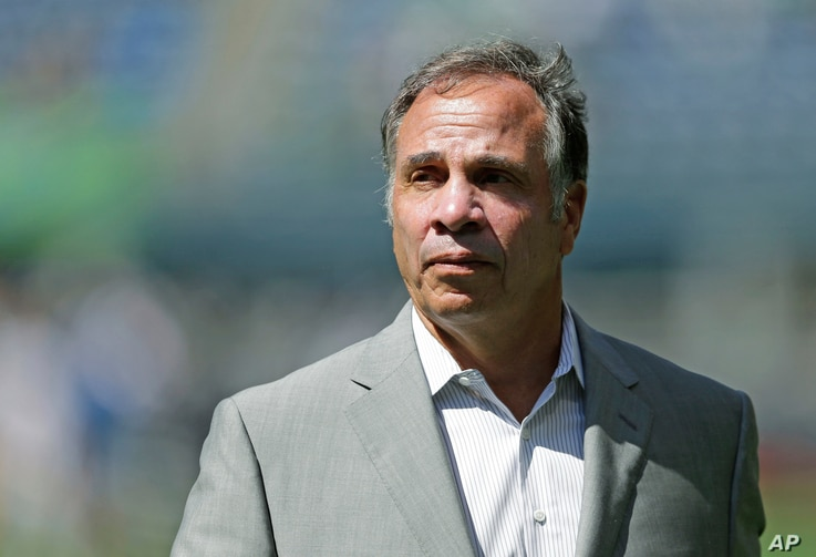 Los Angeles Galaxy coach Bruce Arena is considered one of the favorites to replace Jurgen Klinsmann, who was fired Monday, Nov. 21, 2016.