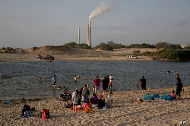 Israel's electricity power plant in Ashkelon on the Israel Gaza Border, June 19, 2017. Israel's national electric company Monday cut back its already limited electricity shipments to the Gaza Strip. The company confirmed that the Israeli government i...