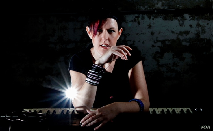 Shannon Hope: mixing musical power, purity and perfection  (courtesy Shannon Hope)