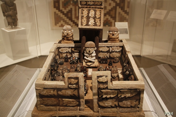 This palace model with figures, found at Huaca de la Luna, Peru, is considered a part of the Chimu culture and was created sometime between A.D. 1440 and 1665.