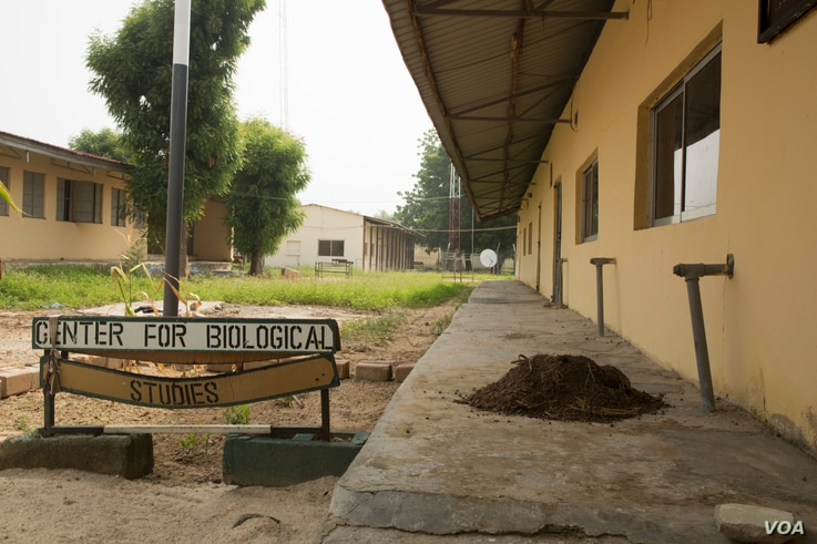 Boarding schools across Nigeria's Borno state, like this one in Maiduguri, will reopen Oct. 10 after being closed for more than two years because of the Boko Haram insurgency, Oct. 5, 2016. (C. Oduah)