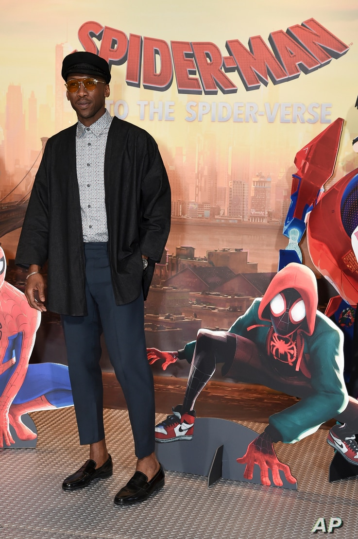 """Mahershala Ali attends the """"Spider-Man: Into the Spider-Verse"""" photo call at the Four Seasons Hotel on Nov. 30, 2018, in Los Angeles."""