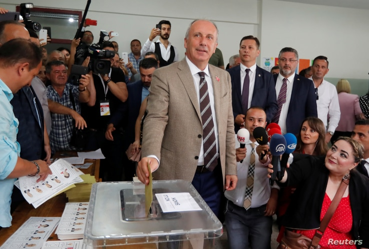 Muharrem Ince, presidential candidate of main opposition Republican People's Party (CHP), casts his ballot at a polling station in Yalova, Turkey, June 24, 2018.