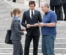 Director Roger Michell (right) confers with Rachel McAdams (playing Becky Fuller, left) and Jeff Goldblum (playing Jerry Barnes, center) on the set of Paramount Pictures' MORNING GLORY.