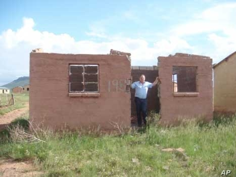 The ANC says it's built many thousands of houses for poor people in Johannesburg, but the DA says many of these structures are falling apart
