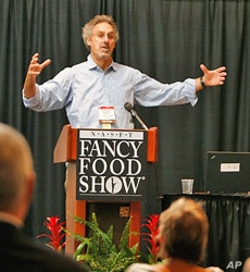 Woody Tasch talks about the slow money movement at a meeting of specialty food entrepreneurs.