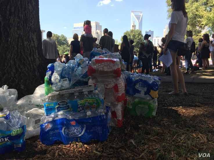 Unorganized, unidentified Charlotte residents left water and snacks at Marshall park, another meeting point in uptown Charlotte, throughout the day for protesters, Sept. 24, 2016.