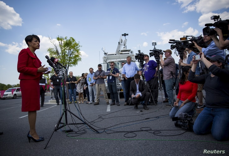 Baltimore Mayor Stephanie Rawlings-Blake speaks at a news conference outside the Mondawmin Mall in Baltimore, Maryland May 3, 2015.