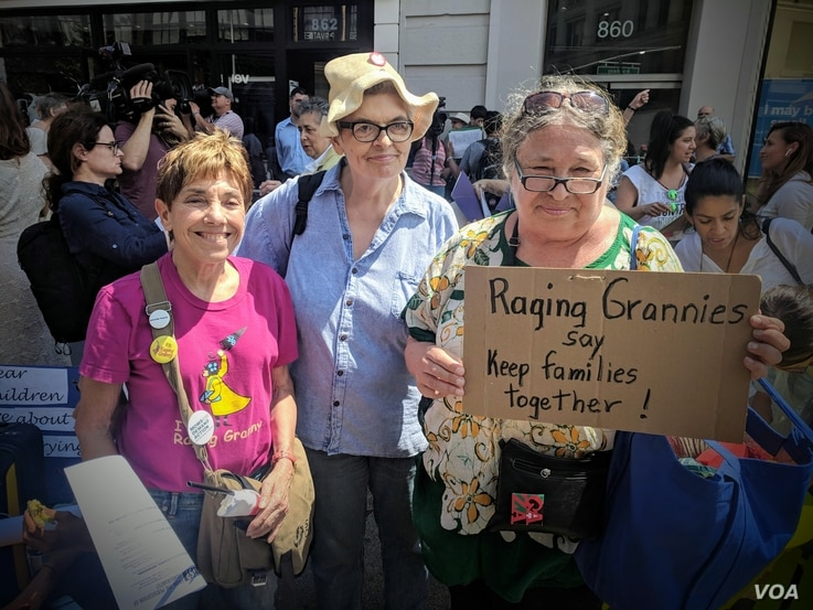 Marty Rajandran, a member of the New York Metro Raging Grannies and Their Daughters, joined a group of fellow activist grandmothers, to show support for their six-day journey to the U.S.-Mexico border. (R. Taylor/VOA)