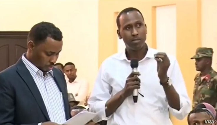 Participants in a town hall hosted by VOA's Somali Service Saturday conversed with Somali President Hassan Sheikh Mohamoud in Somalia and residents in St. Paul, Minnesota, home to the largest Somali community in the U.S.