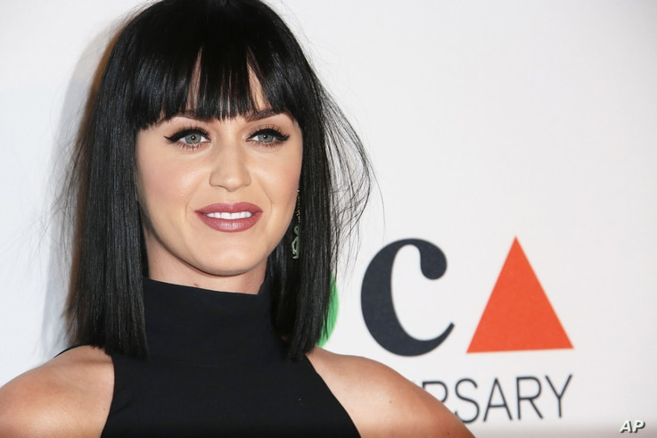 Katy Perry arrives at MOCA's 35th Anniversary Gala presented by Louis Vuitton at The Geffen Contemporary at MOCA on March 29, 2014 in Los Angeles.