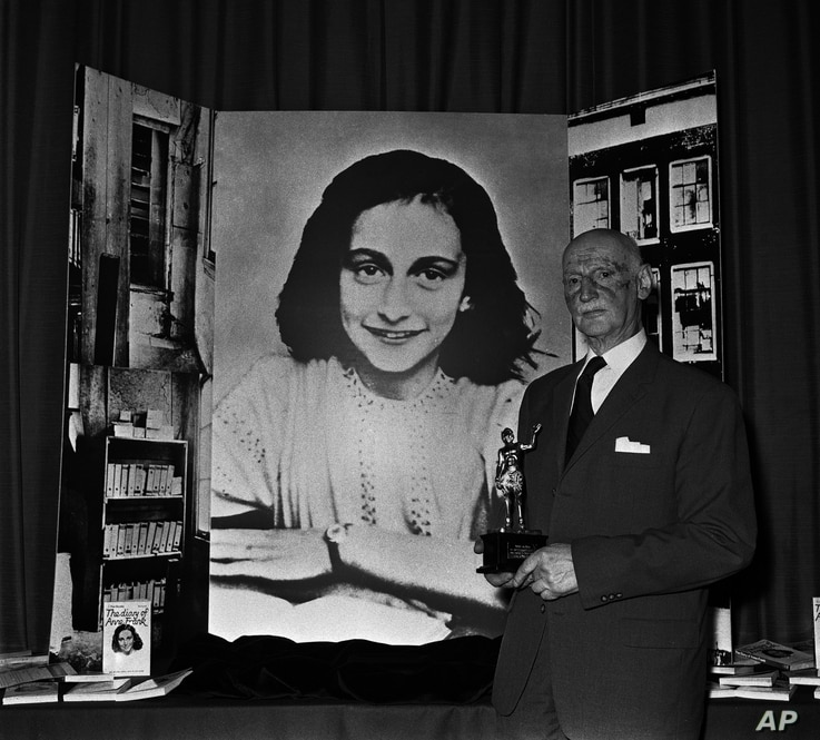 """Dr. Otto Frank holds the Golden Pan award, given for the sale of 1 million copies of """"The Diary of Anne Frank,"""" June 14, 1971 in London. Dr. Frank is the family's only survivor."""