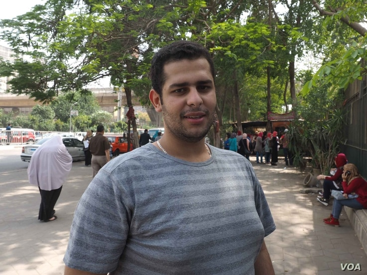 """Like most youth in Cairo, Mamdouh, a law student, says """"ISIS doesn't represent Islam"""" near his university in Egypt's capital, April 21, 2016. (H. Elrasam/VOA)"""