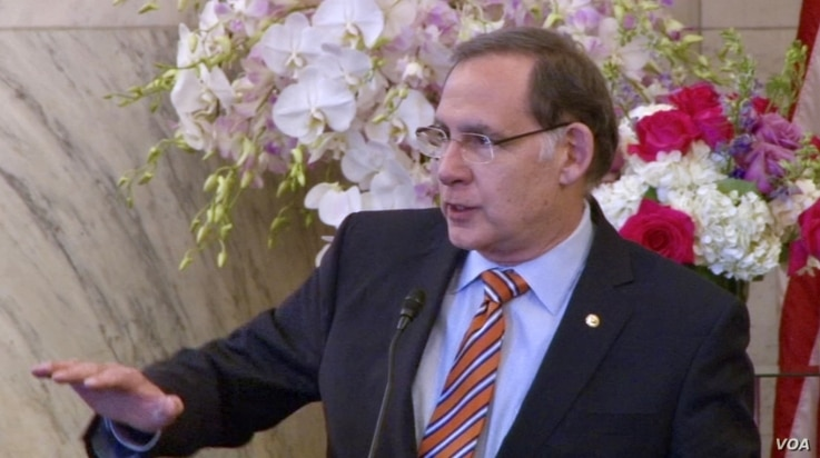 Republican U.S. Senator John Boozman offers remarks on the occasion of Nowruz to the Organization of Iranian American Communities at the Russell Senate Office building in Washington, March 15, 2018. (K. Jamshidi/VOA)
