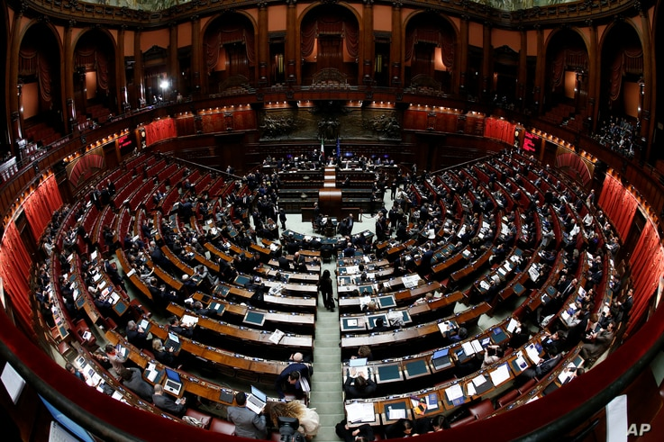 Lower house deputies are seen at the Chambers of Deputies in Rome March 15, 2013.