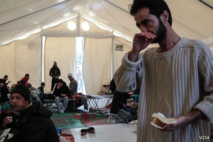 This camp is on the northern coast of Lesvos and is usually a brief transit point for refugees before being taken elsewhere in the island. However, these arrivals had to stay overnight amid reports that Moria camp was full.