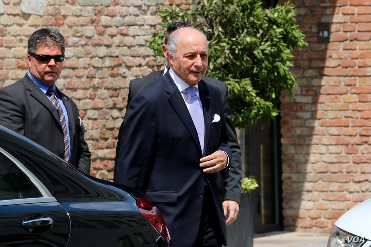 French Foreign Minister Laurent Fabius arrives in Vienna for talks, July 12, 2015. (Brian Allen/VOA)