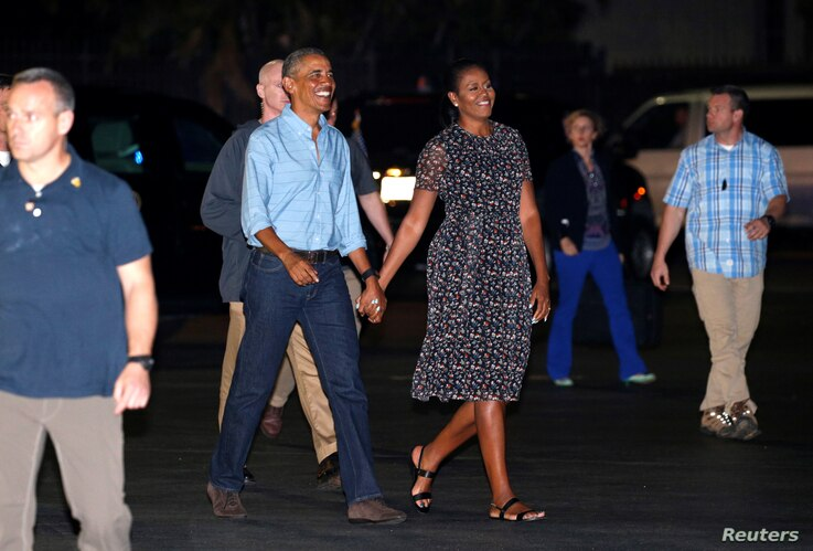 U.S. President Barack Obama and first lady Michelle Obama depart Joint Base Pearl Harbor-Hickam upon the conclusion of their vacation on Oahu in Hawaii, Jan. 1, 2017.