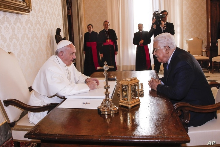 Pope Francis meets with Palestinian President Mahmoud Abbas during a private audience at the Vatican, Jan. 14, 2017.