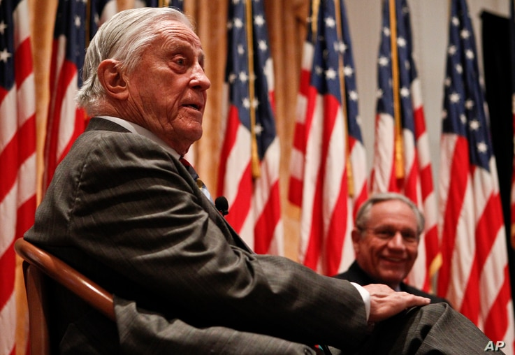 """Ben Bradlee, former executive editor of the Washington Post, left, during the program """"Remembering Watergate: A Conversation"""" at the Richard Nixon Presidential Library and Museum in Yorba Linda, California, April 18, 2011."""