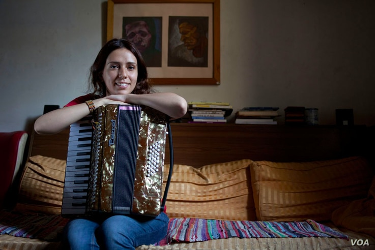 Youssra El Hawary, 29 at her home in Cairo. (Yuli Weeks/VOA)