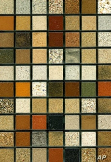 The beauty and variety of sand is visible in this array from South Africa, arranged by the artist Loes Modderman.