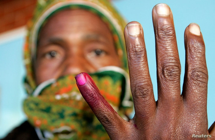 Zmbabwean Woman Votes