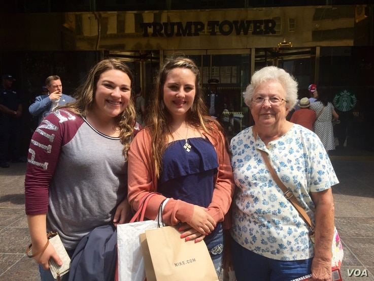 Mary Fowler, from Angleton, Texas, visits Trump Tower with her granddaughter Kamryn Glaze (center) and her friend Courtney Stephens (left). (R. Taylor/VOA)