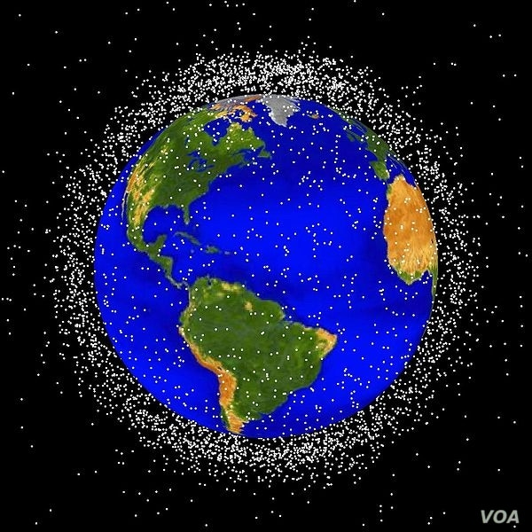 Image of Earth surrounded by orbiting objects that are currently being tracked. Approximately 95% of these objects are space debris.