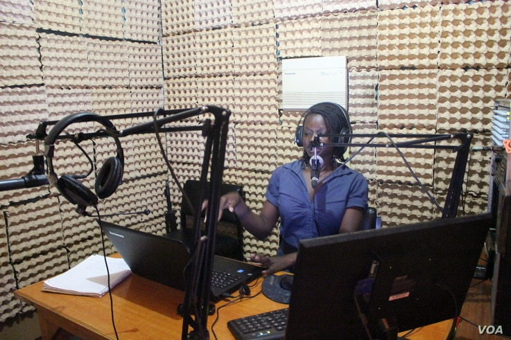 Tebby Otieno is a presenter at Mtaani Radio.She hosts a weekly shows that mainly talk about the issues faced by residents of Dagoretti area where the radio broadcasts, Dec. 14, 2016. (Photo: R.Ombour/VOA)