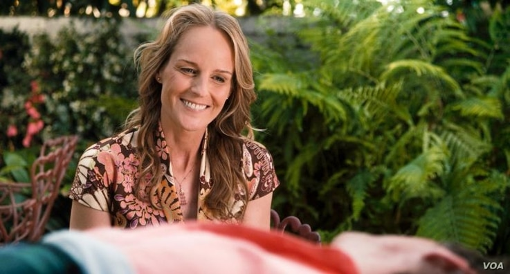 """Helen Hunt as """"Cheryl Cohen Greene."""" Image courtesy of Fox Searchlight Pictures"""