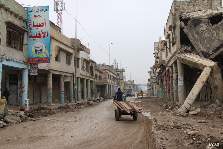 Residents of the worst-hit areas IS once controlled in Iraq say they are largely on their own to rebuild,  Nov. 27, 2018, in Mosul. (H.Murdock/VOA)
