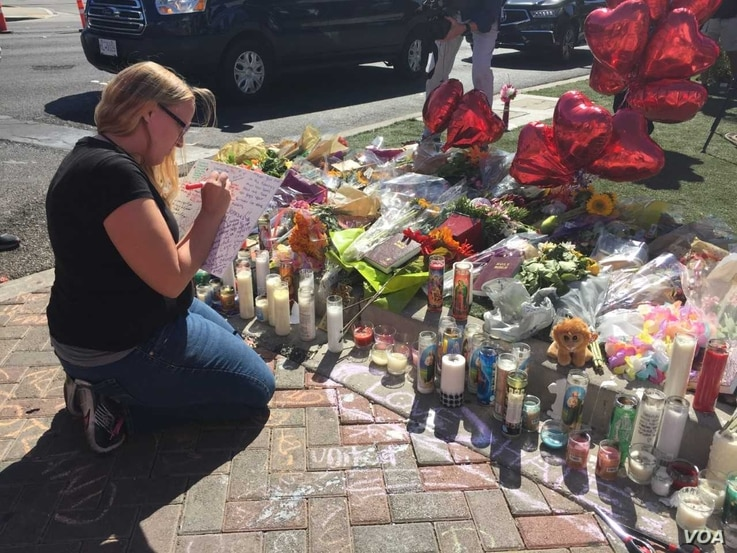 Memorial to the victims along Las Vegas Boulevard, between the Mandalay Hotel and Resort and the concert venue.