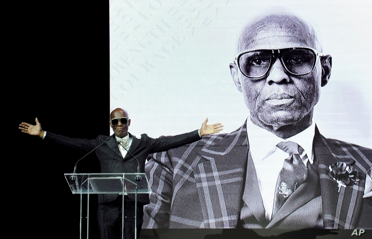 Fashion icon Dapper Dan accepts Harlem Fashion Row's Lifetime Maverick Award at the HFR fashion show and awards ceremony before the start of New York Fashion Week, Sept. 4, 2018.