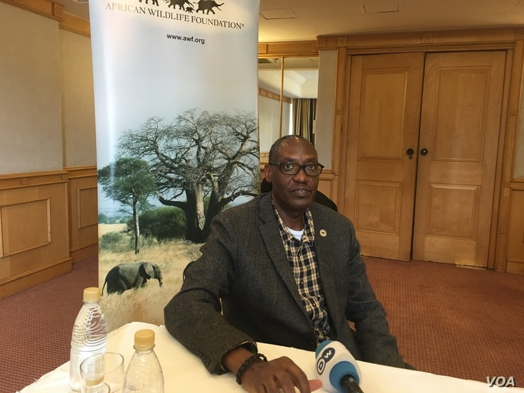 Kaddu Sebunya, president of the African Wildlife Foundation, calls on African governments to urgently address the issue of poaching which he said was almost depriving the continent of its resources as slave trade did, Harare, July 2016. (S.Mhofu/VOA)...