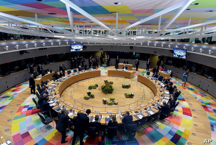 European Union leaders attend a roundtable meeting at an EU summit in Brussels, March 21, 2019.