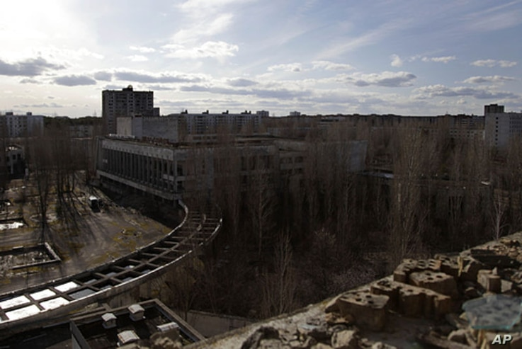 A view of the city of Pripyat from the 9th floor of an abandoned hotel room. (VOA Photo/D. Markosian)